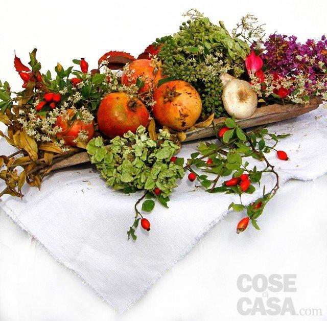 decorazione autunnale con melagrane e funghi cose di casa