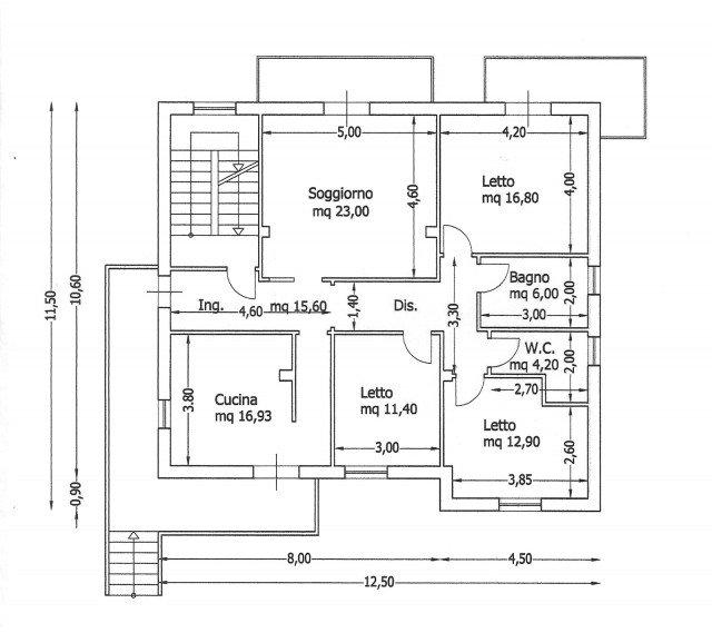 Una casa con giochi di luce soluzioni d 39 arredamento e for Progetti per case con scantinati
