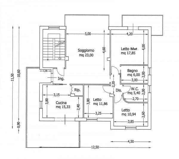 Una casa con giochi di luce soluzioni d 39 arredamento e for Progetti contemporanei di case a pianta aperta