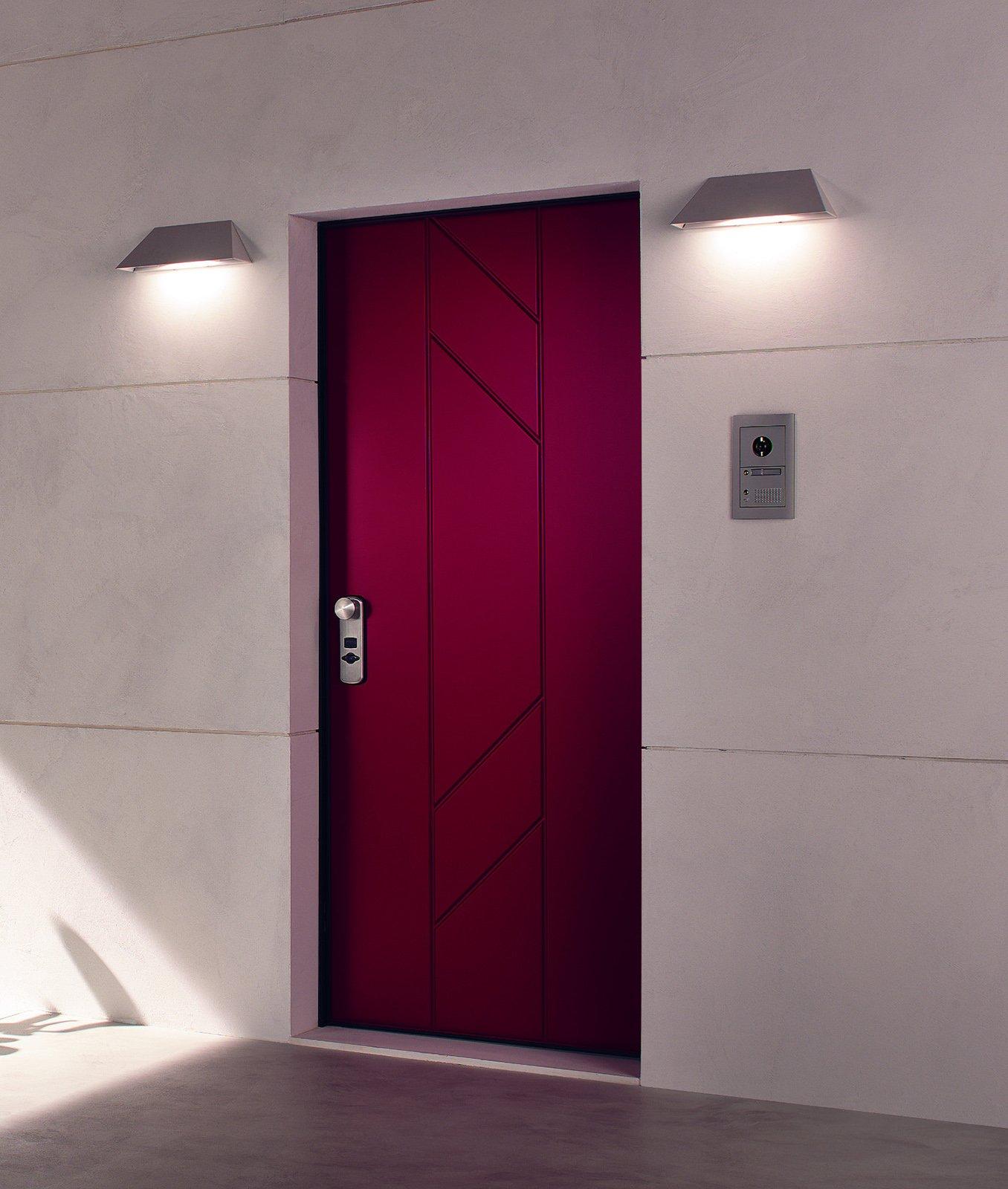 Porte e finestre di sicurezza casa protetta anche durante - Porte per la casa ...