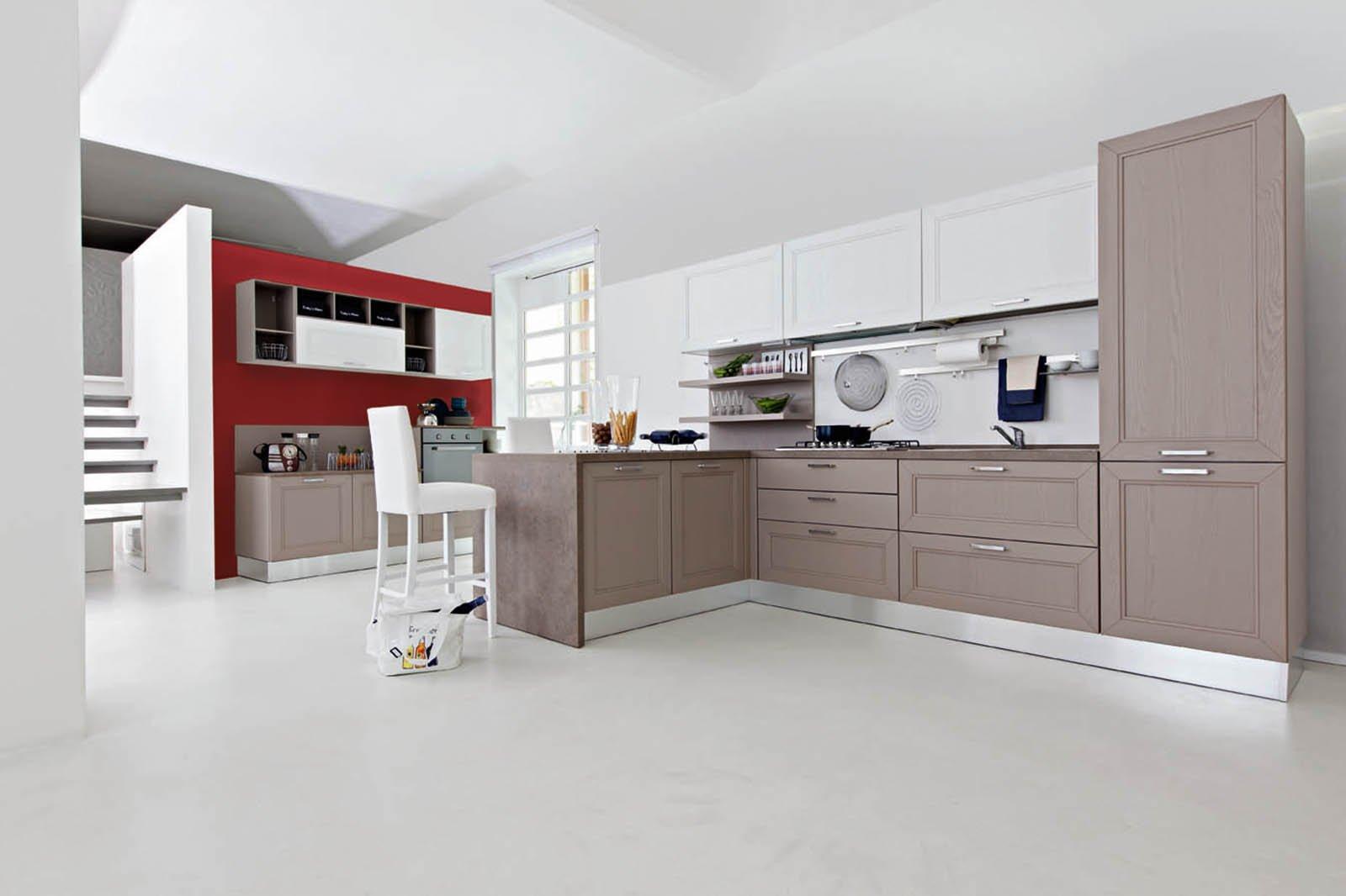 Parete tv componibile classica for Cucine ricci casa