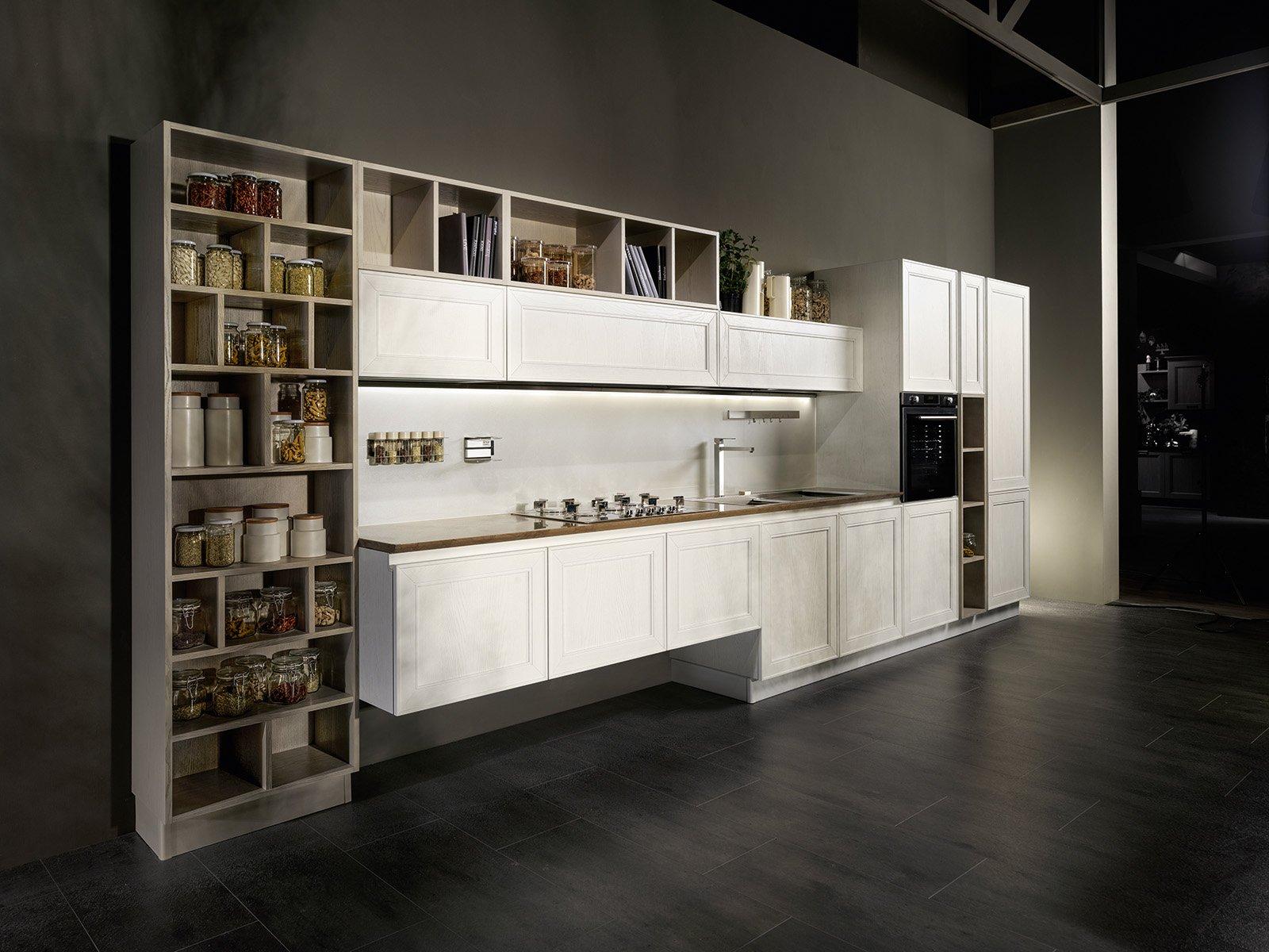 Casabook immobiliare in cucina i vani a giorno fanno tendenza - Scaffale per cucina ...