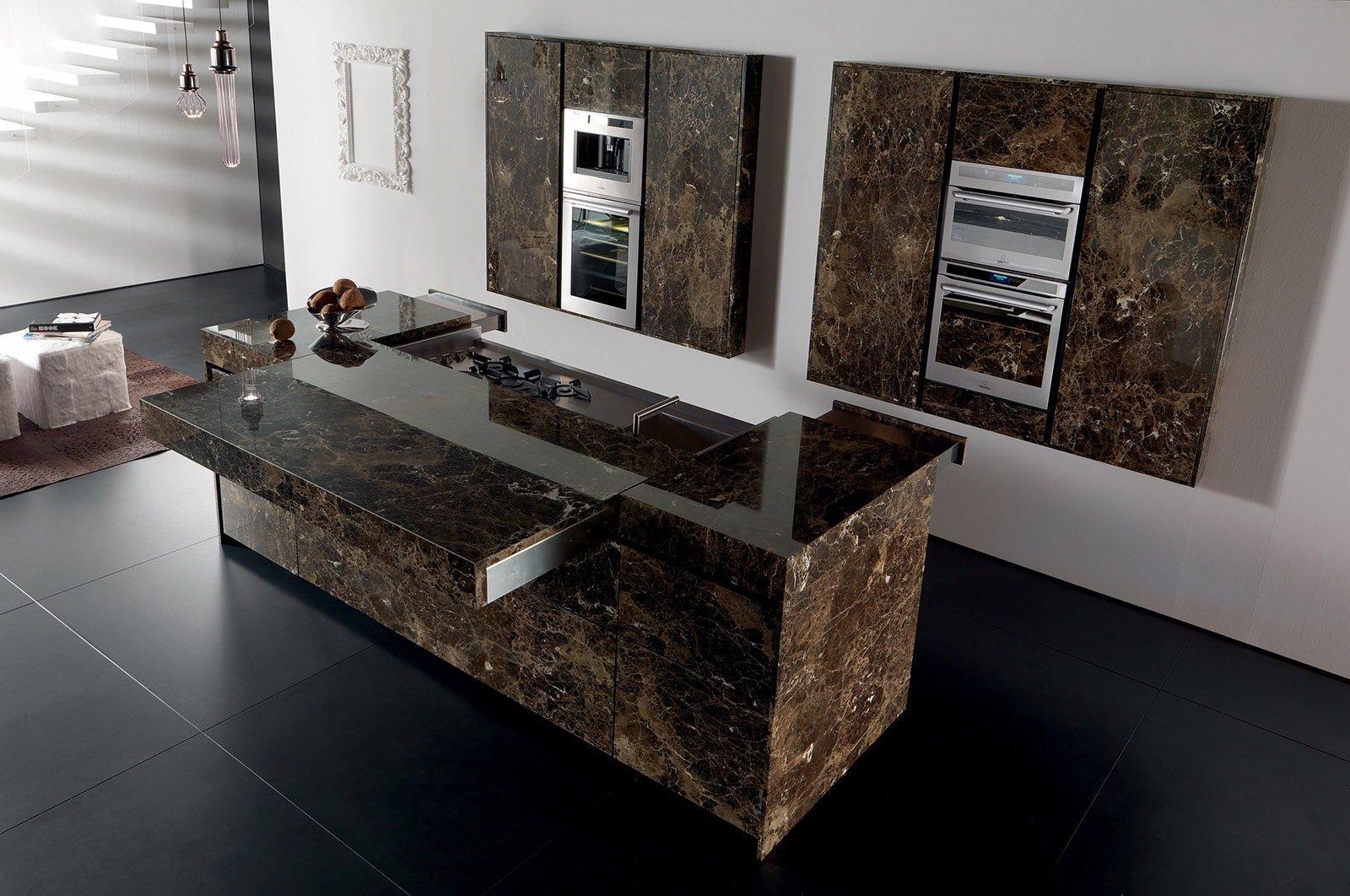 Cucine decorate per un ambiente originale e vivace cose di casa - Cucine in marmo ...