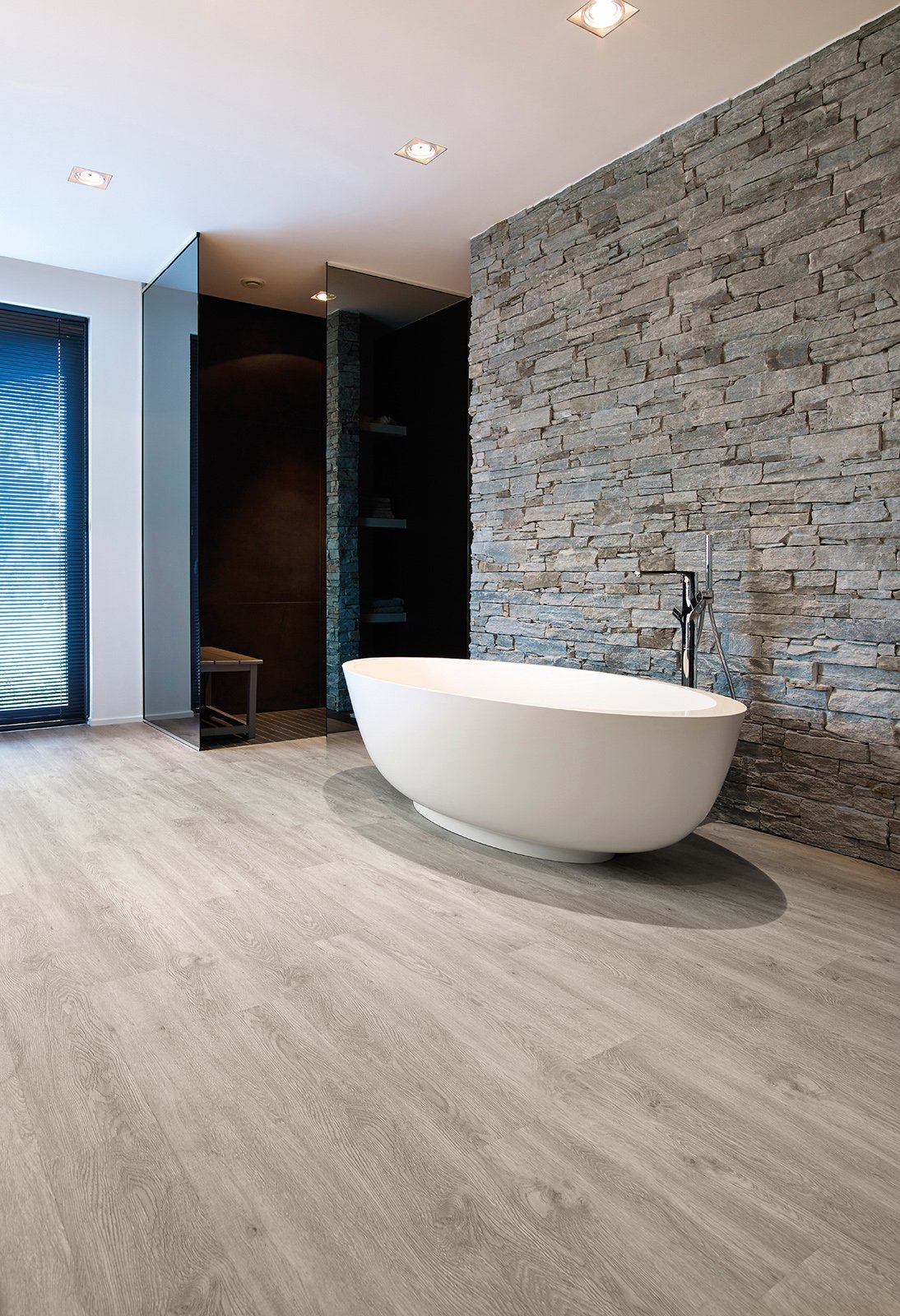 Pavimenti per il bagno dal travertino al gres cose di casa - Pavimento in legno per bagno ...