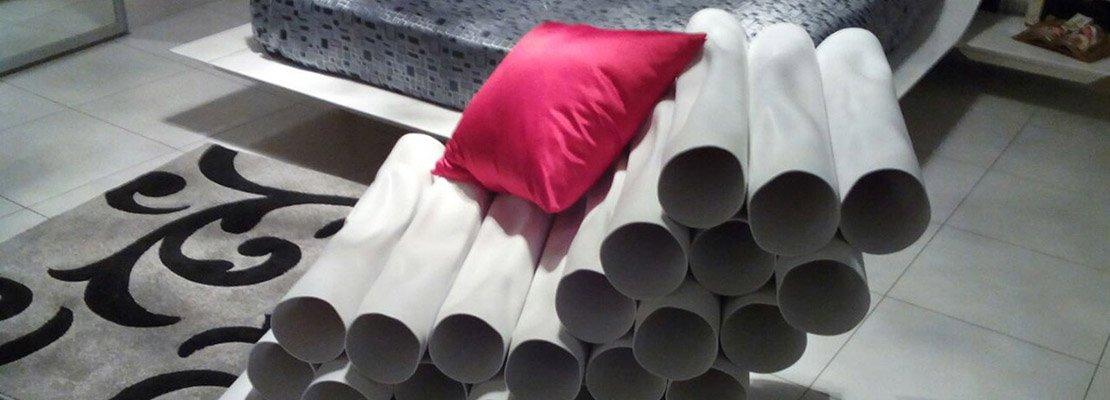 Una poltrona con tubi di pvc. i materiali cambiano utilizzo   cose ...