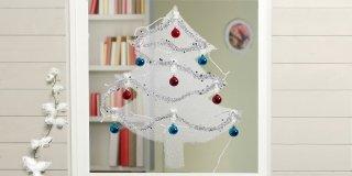 Decorazioni natalizie: l'albero salvaspazio fai da te. Sulla finestra!