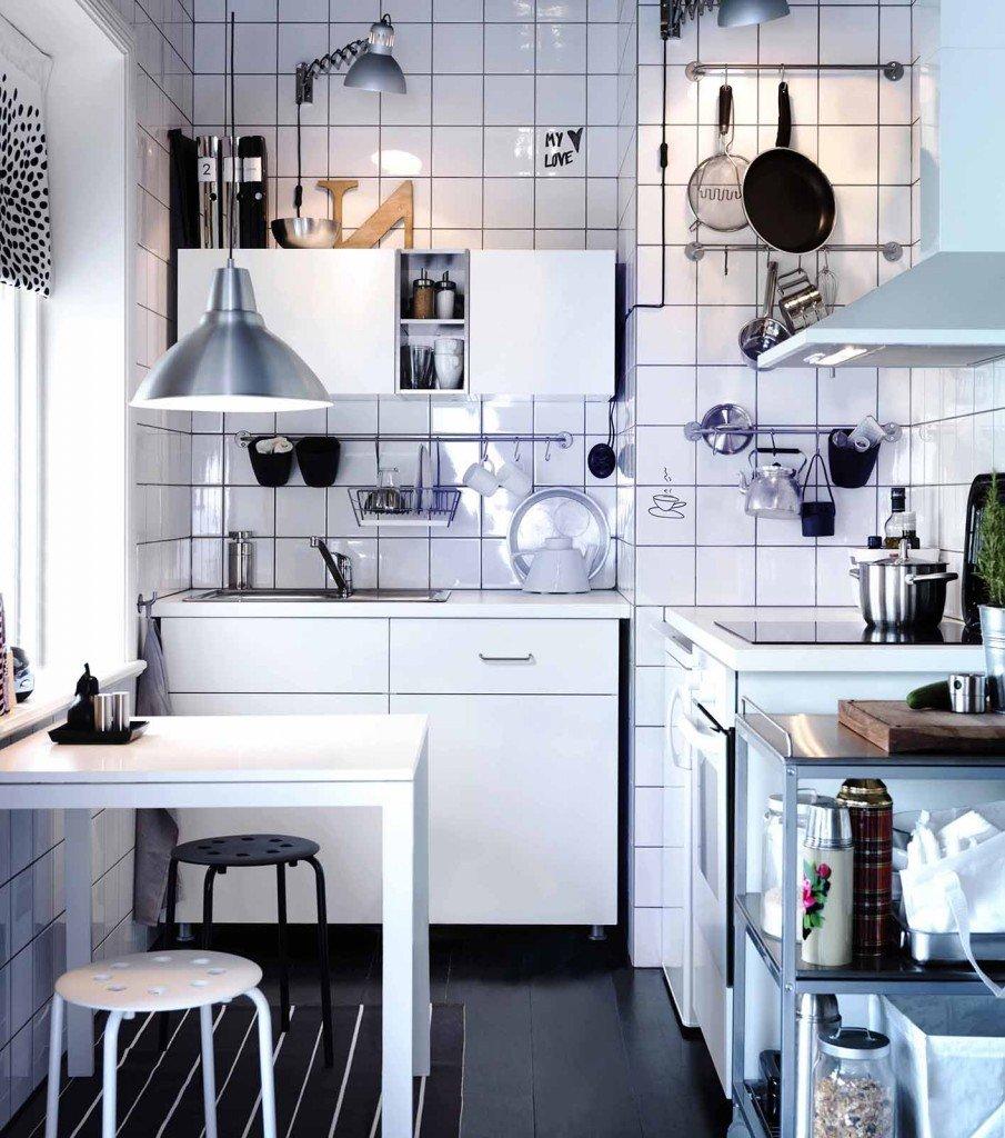 Soluzioni per la mansarda arredo la cucina cose di casa - Cappa cucina ikea ...