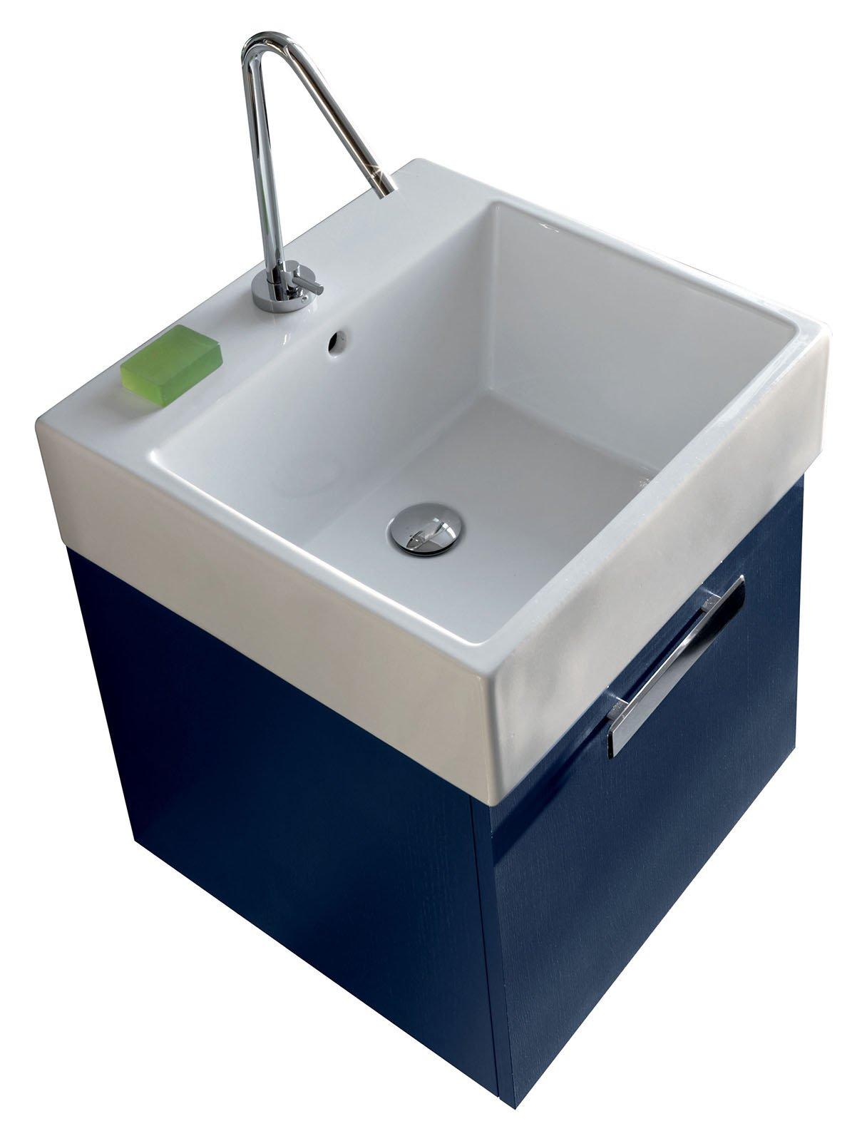 La lavanderia uno spazio per nascondere lavatrice e for Ideal standard ala