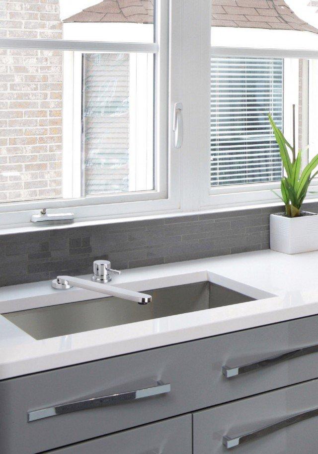 Lavandino cucina sottofinestra idee creative di interni e mobili - Rubinetti cucina ikea ...