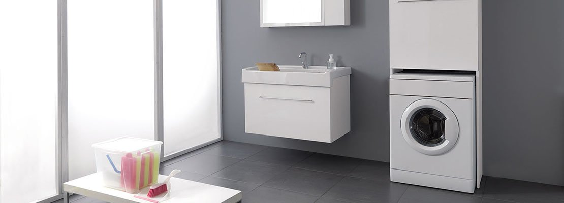 La lavanderia uno spazio per nascondere lavatrice e stendipanni cose di casa - Mobile per lavatrice e asciugatrice ...