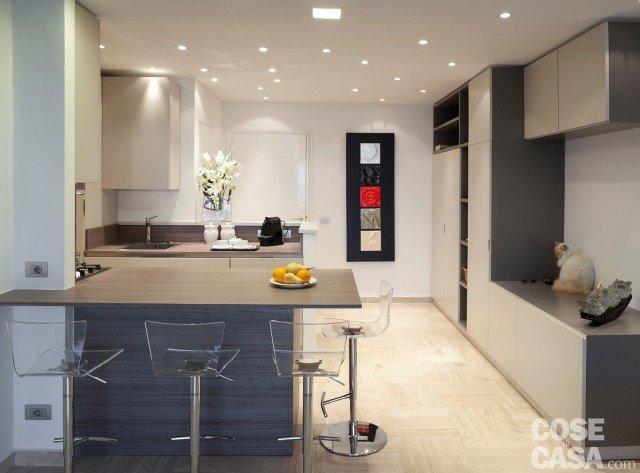 In 57 mq due bagni per la casa dagli incastri perfetti for Muretto divisorio ingresso soggiorno
