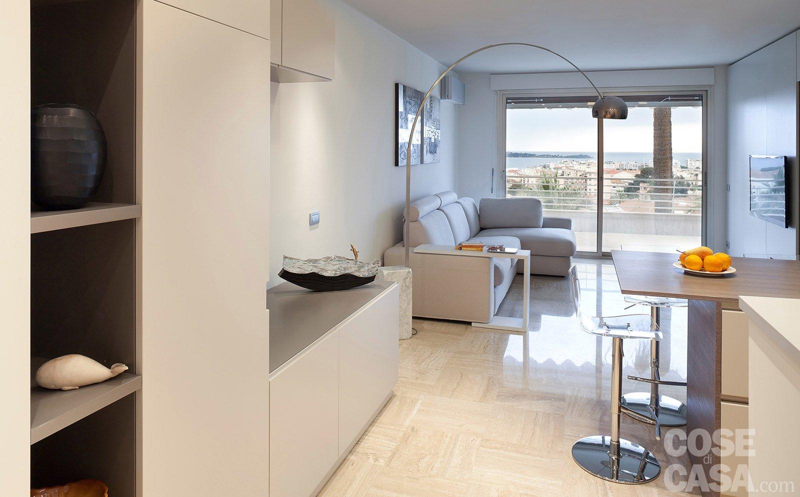 In 57 mq due bagni per la casa dagli incastri perfetti - Cucina piu soggiorno ...