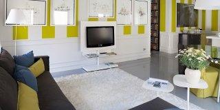 Una casa con pareti decorative. Guarda il video