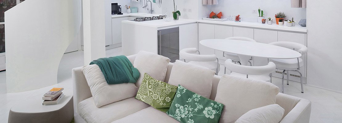 Cucina E Soggiorno Nella Stessa Stanza : Mq un piccolo loft total white cose di casa