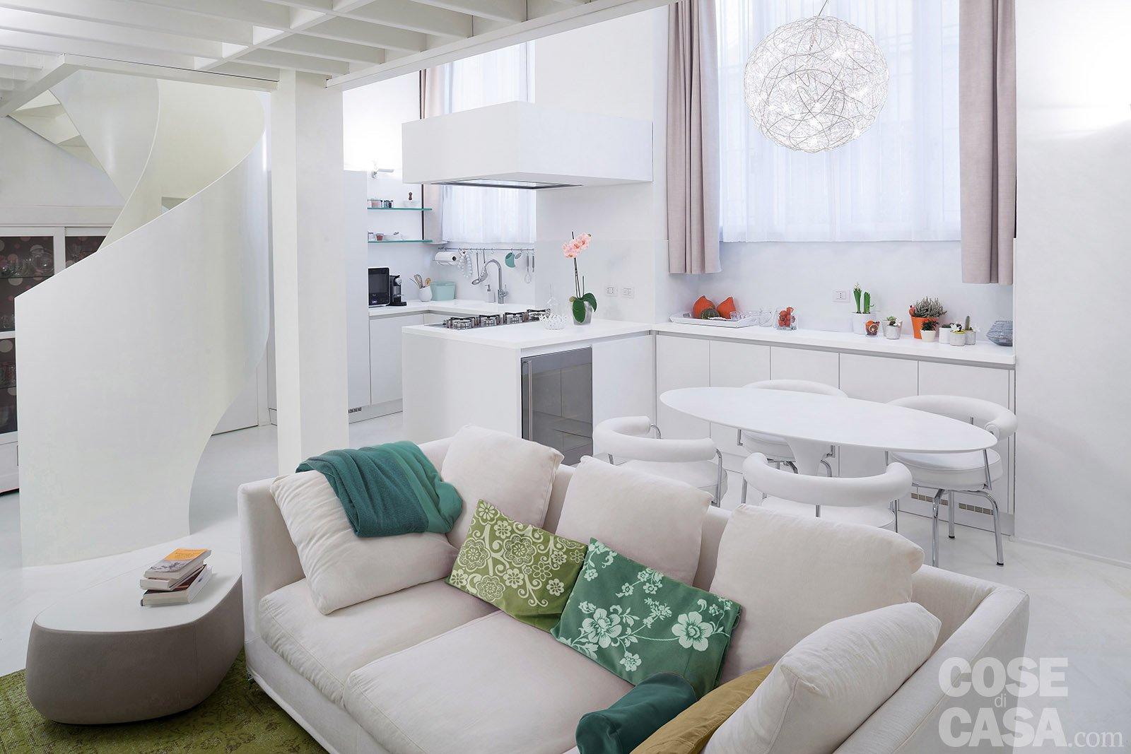 50 17 mq un piccolo loft total white cose di casa for Ambiente design