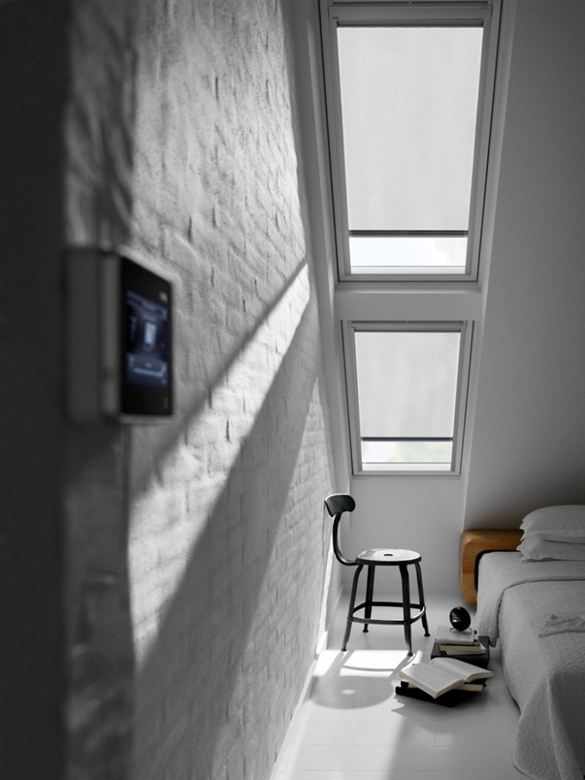 Sfruttare lo spazio sotto il tetto per trasformarlo in for Finestra nel tetto