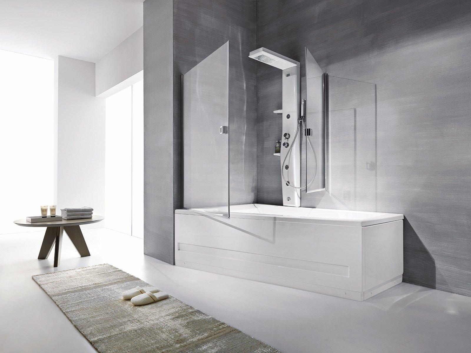 La doccia nella vasca aggiungendo un pannello cose di casa for 2 br 2 piani casa bagno