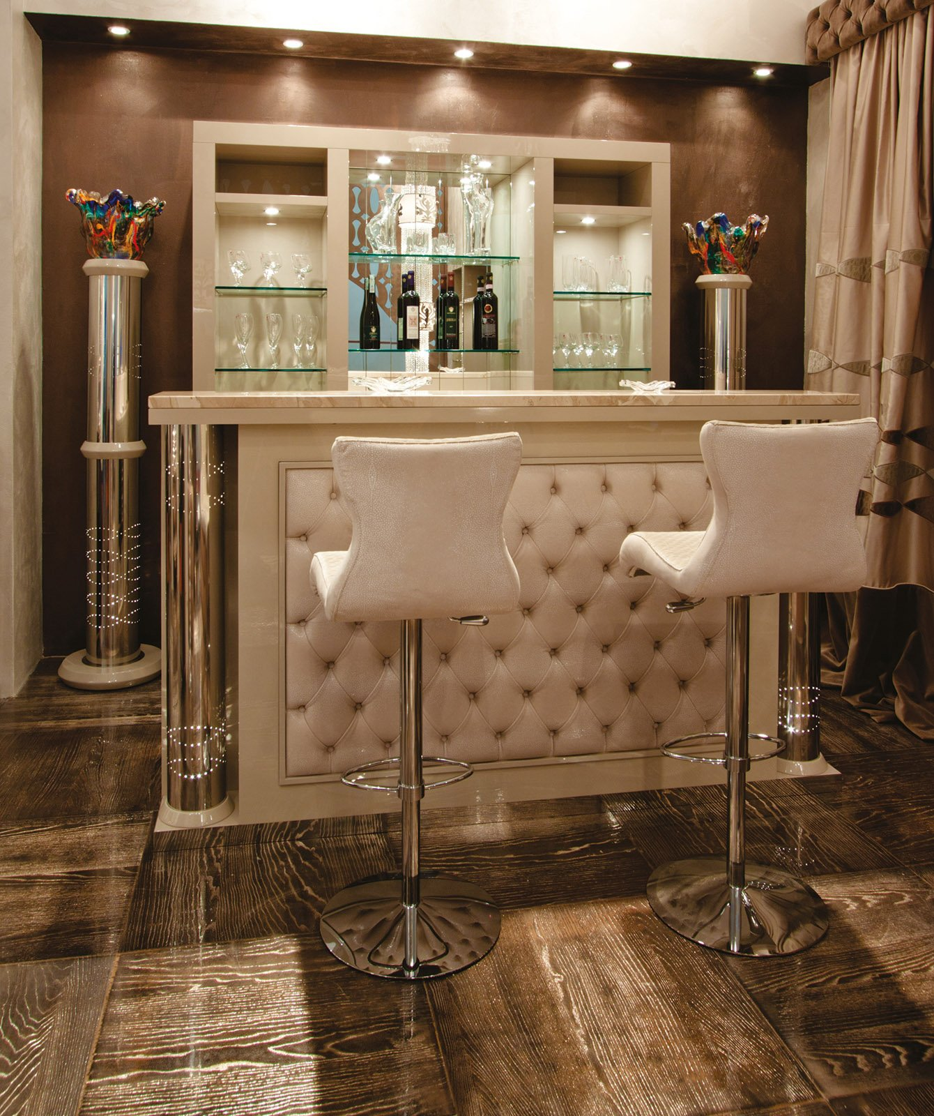 Mobile bar a casa per brindare e fare festa con amici e for Mobile salotto angolare
