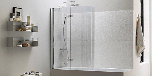 La doccia nella vasca aggiungendo un pannello