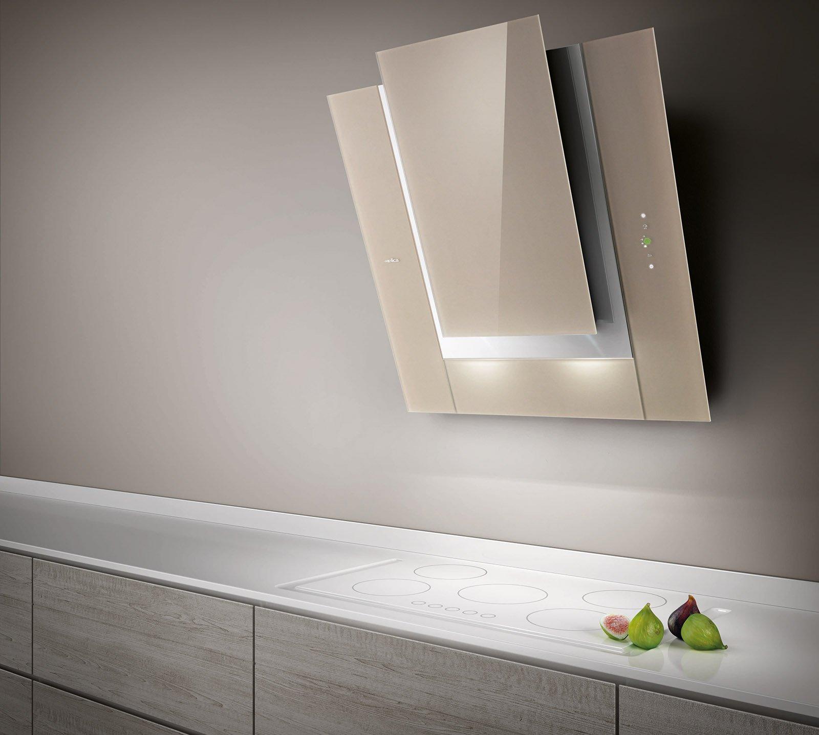 Le cappe che purificano l 39 aria in cucina e soggiorno cose di casa - Cucine a parete ...