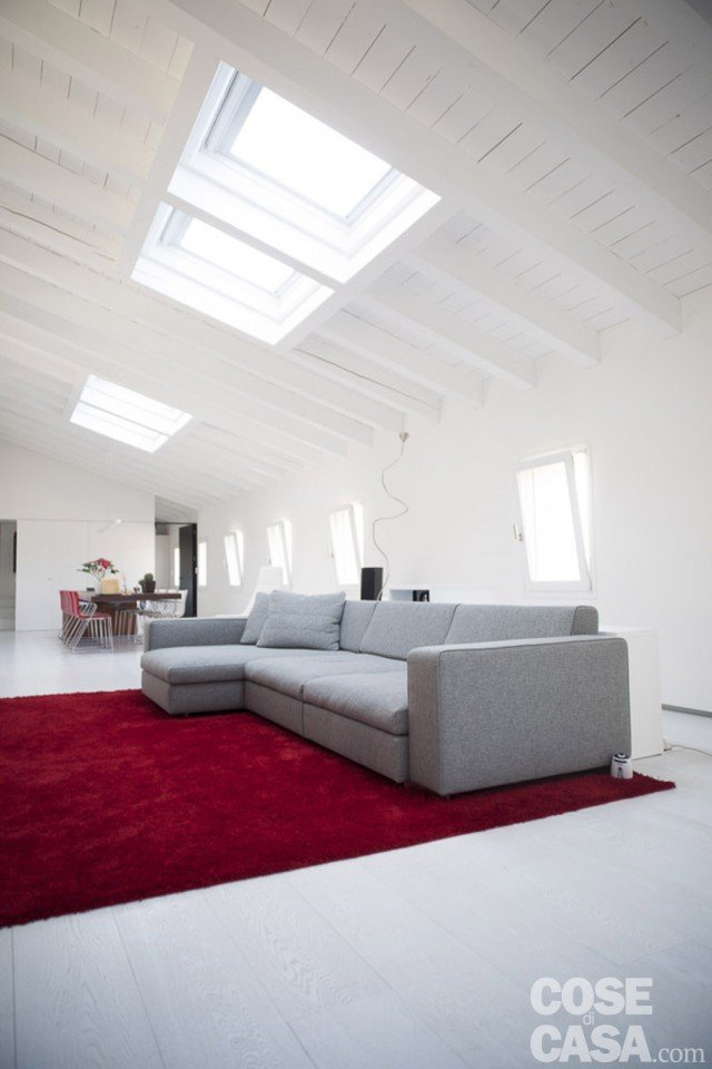 foto1-casa-divano-grigio