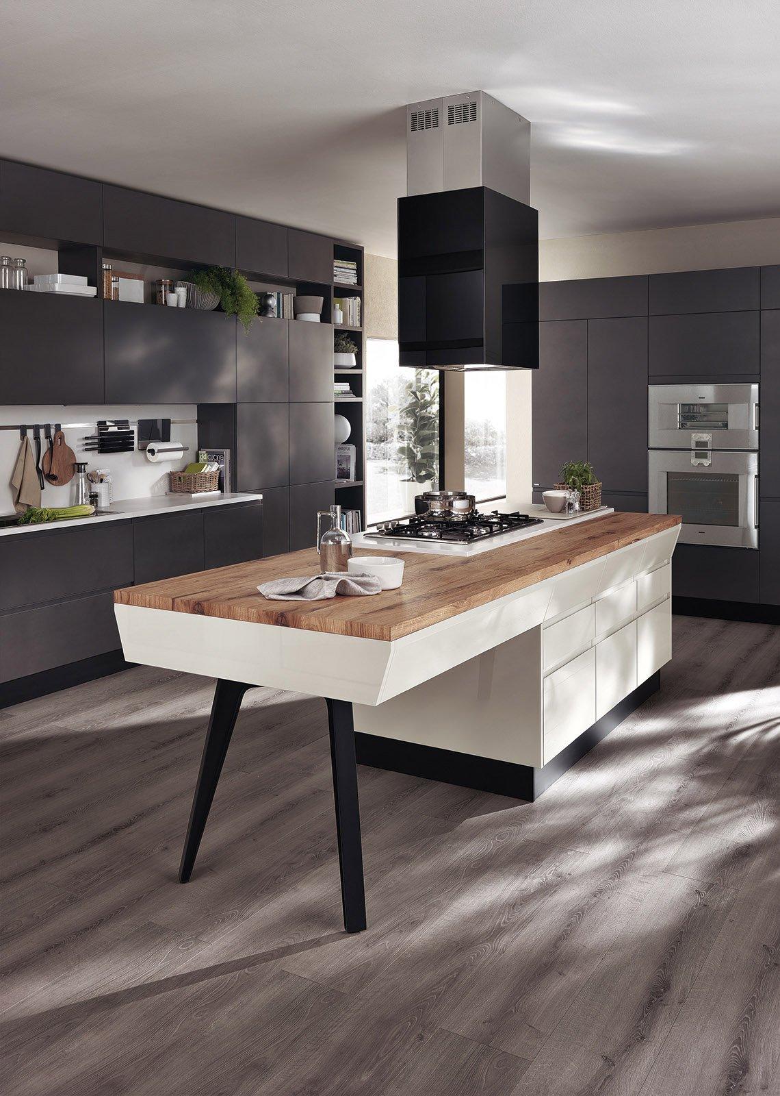 La cucina con il tavolo da architetto cose di casa for Top per cucine prezzi