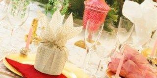 Tavola di Natale: le regole d'oro per l'uso del tovagliolo