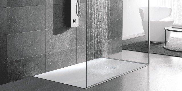 Bagno: materiali, superfici, linee che rendono più facile tenere pulito