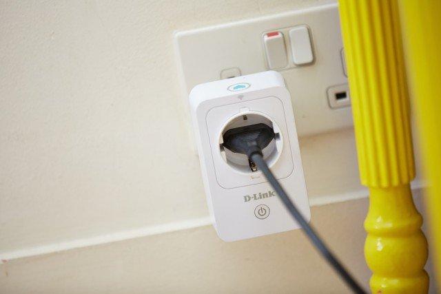 Le Smart Plug sono prese intelligenti Wi-Fi che possono essere comandate da remoto (tramite un'app), anche quando non si è a casa. www.dlink.it