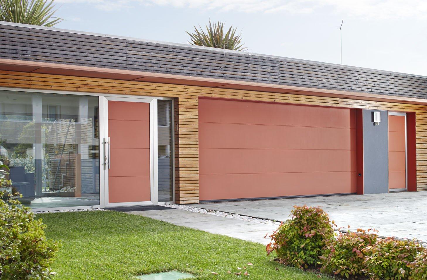 Porte per garage che fanno anche recuperare spazio cose - Portoni di casa ...