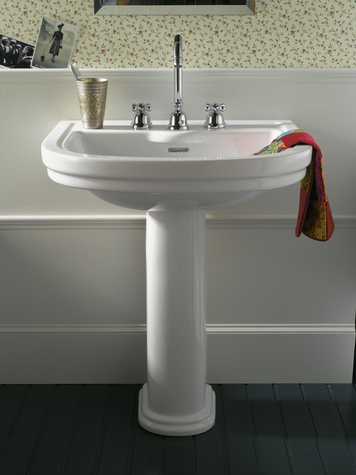 Lavabi classici lo stile anche in bagno cose di casa - Sanitari bagno classici ...