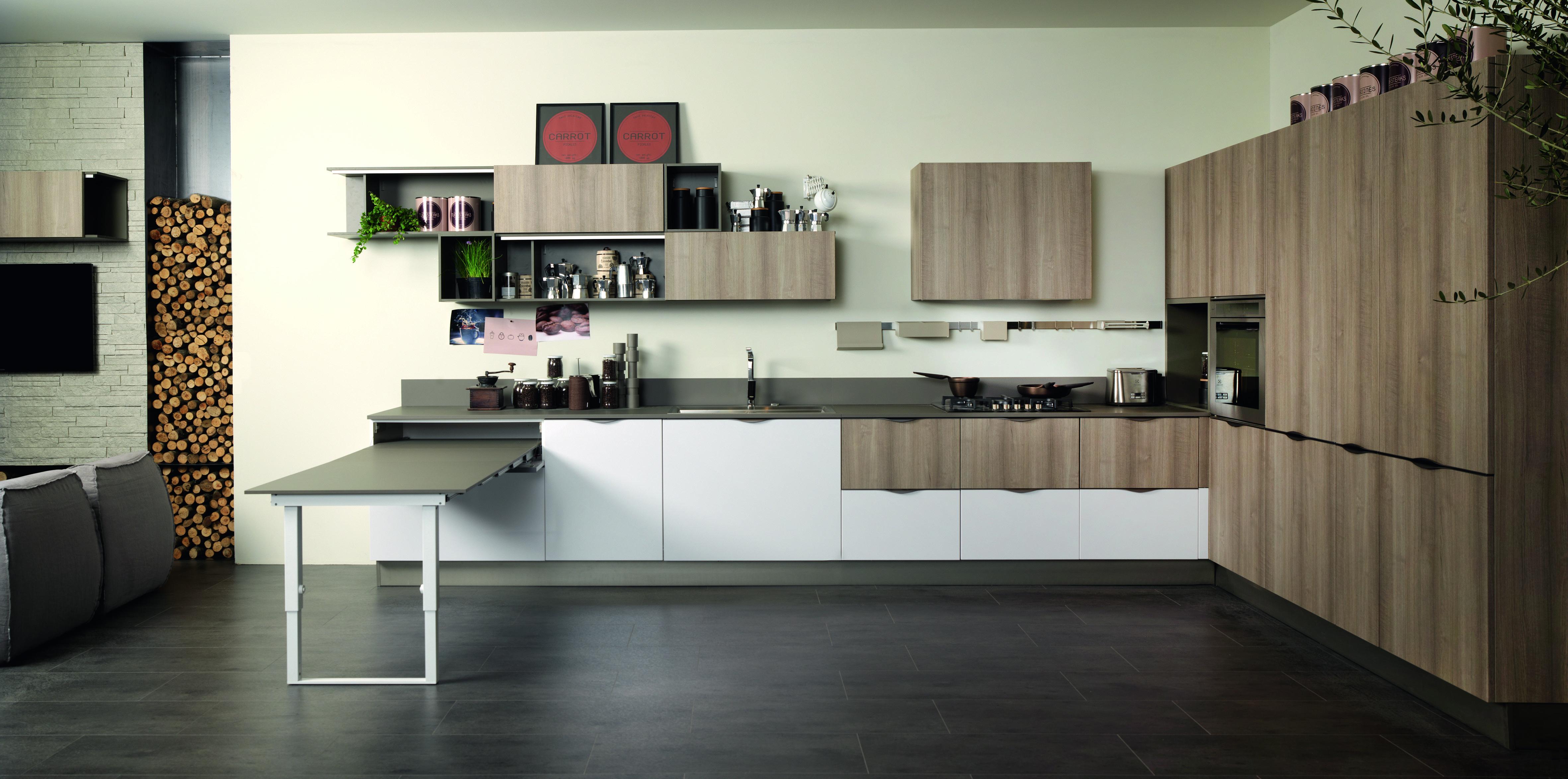 In cucina materiali protagonisti cose di casa - Cucina con tavolo estraibile ...