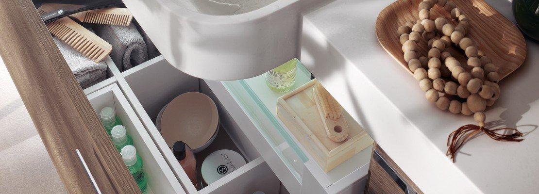Mobili bagno con cassetti. tutto in ordine sotto il lavabo   cose ...