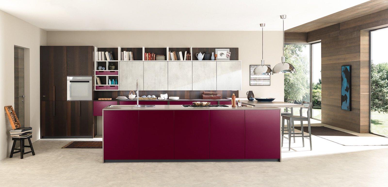 Cucina contenere di pi con tanti pensili o pensili - Lavandini ad angolo per cucina ...