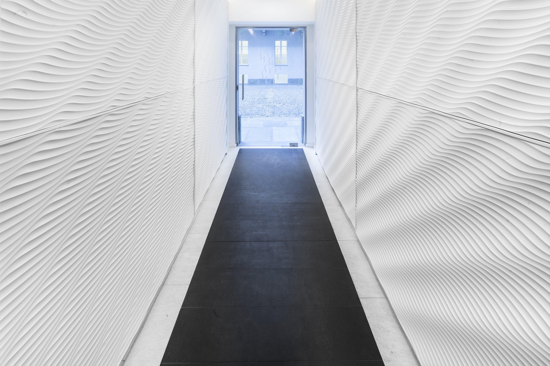 Corridoio lungo casa: corridoio lungo fotografia stock libera da ...