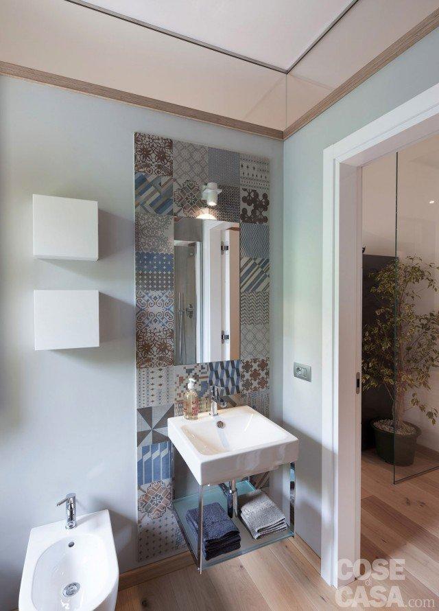 Maxi trilocale design e ispirazioni scandinave per la for Casa moderna bagni