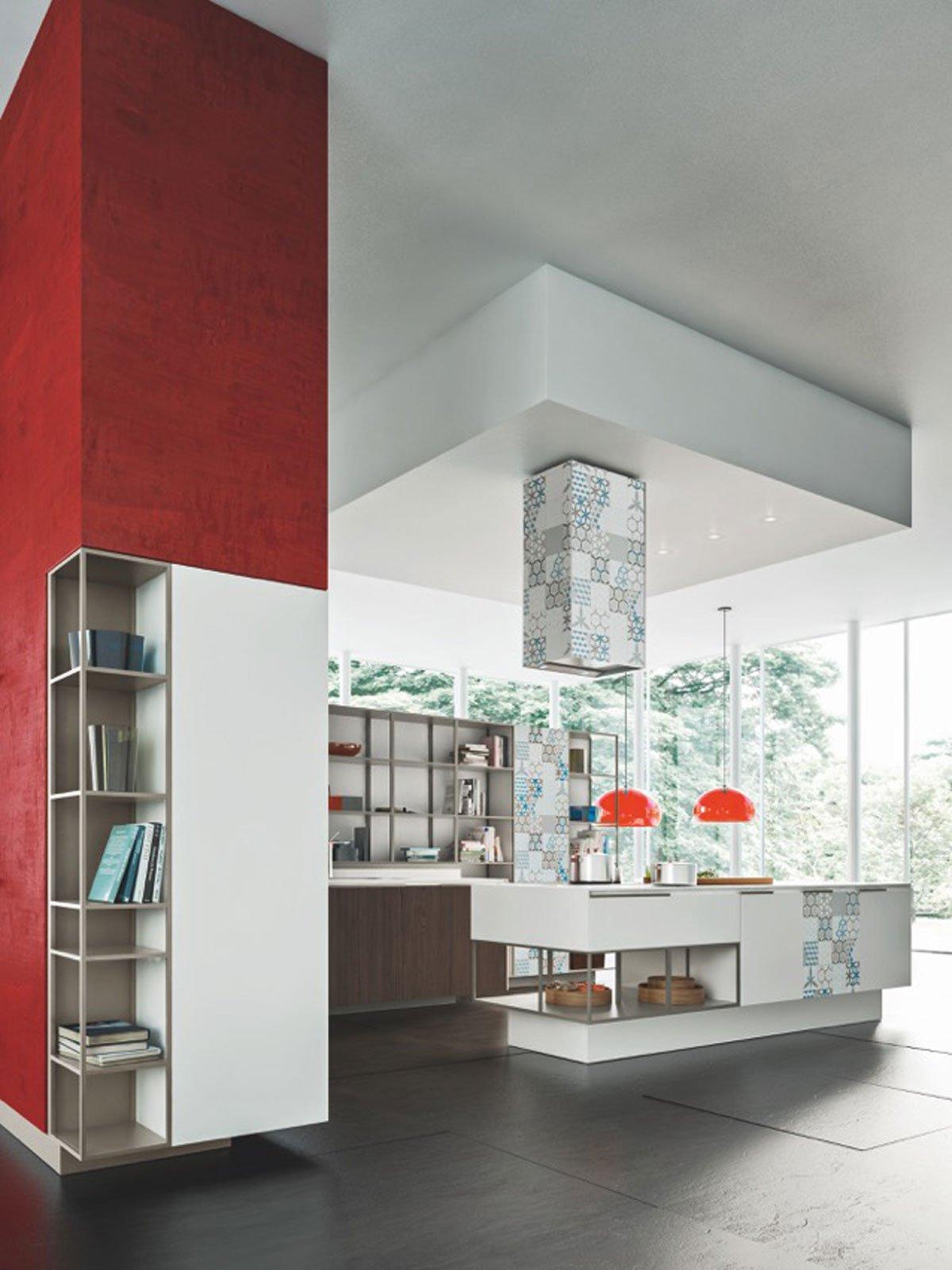 progettata per uno spazio living dichiaratamente open space orange evolution di snaidero caratterizzata da