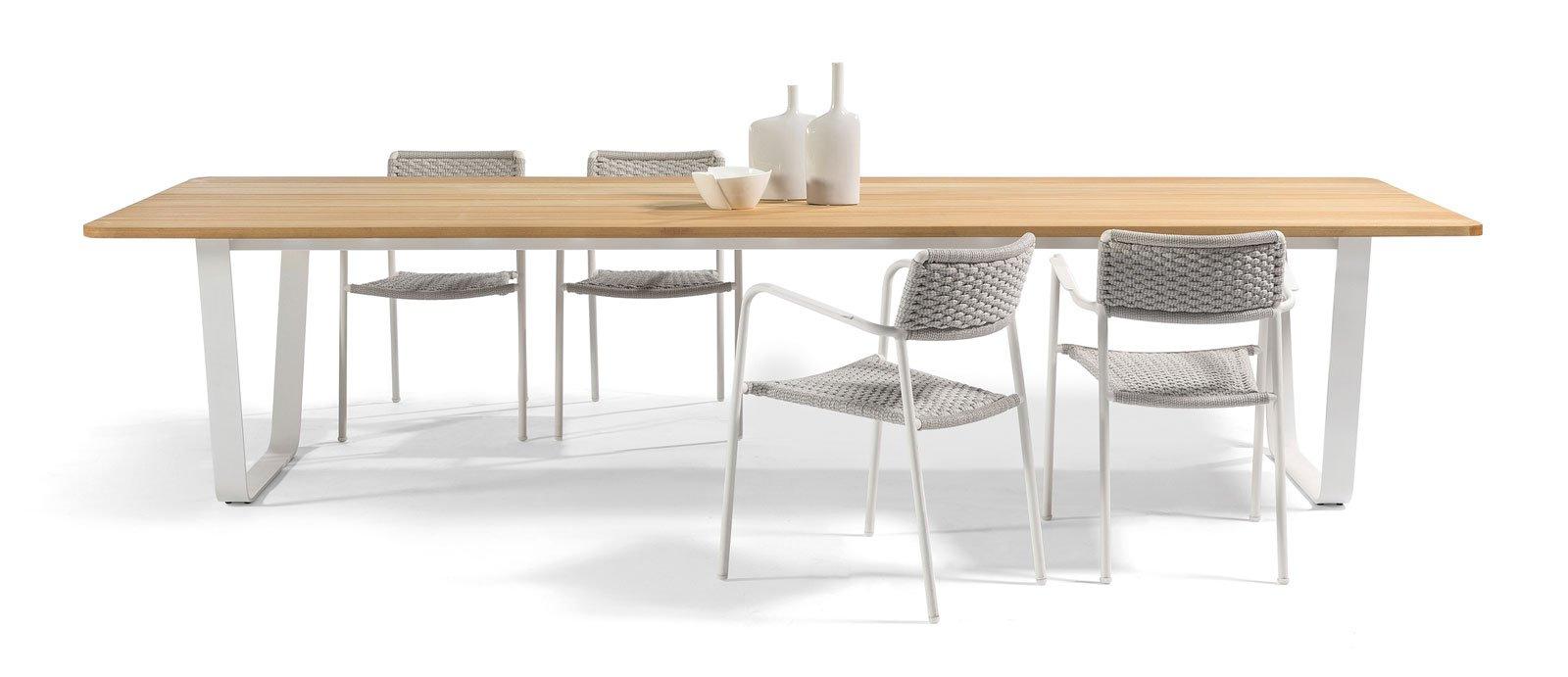 Ai saloni 2015 le proposte d 39 arredo per esterni cose di for Sedie ferro e legno