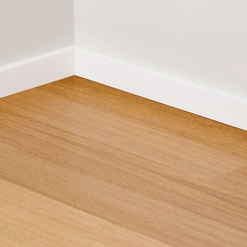 Zoccolino o battiscopa per rifinire il pavimento cose di casa - Levigare il parquet senza togliere i mobili ...