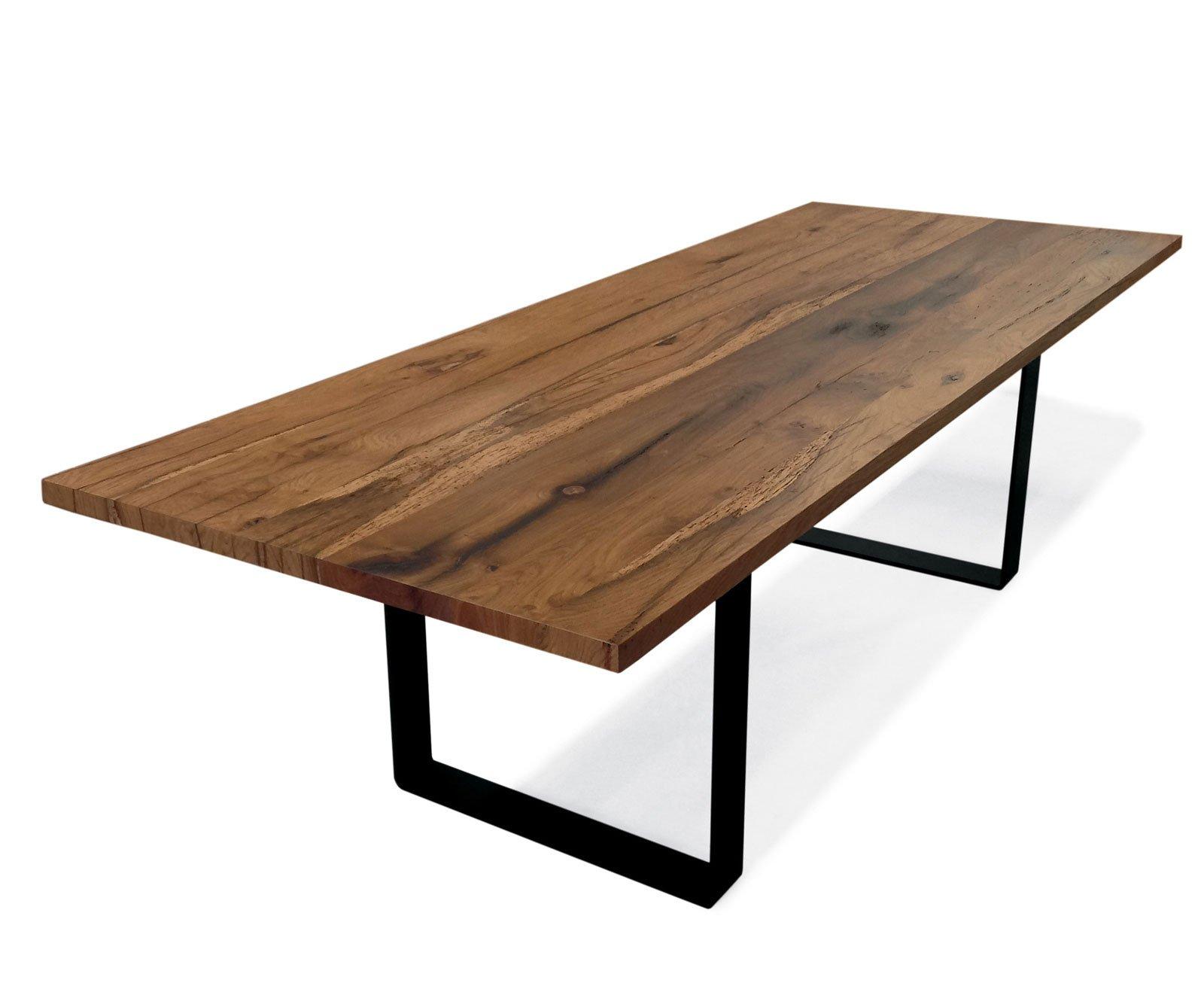 Tavoli al salone del mobile 2015 prevale l 39 essenzialit for Piani di casa in metallo