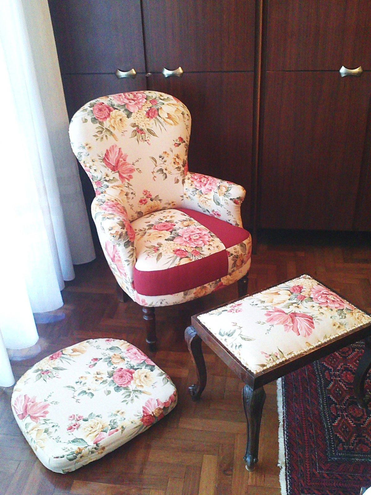 Rivestire una vecchia poltrona cose di casa - Come coprire un divano rovinato ...
