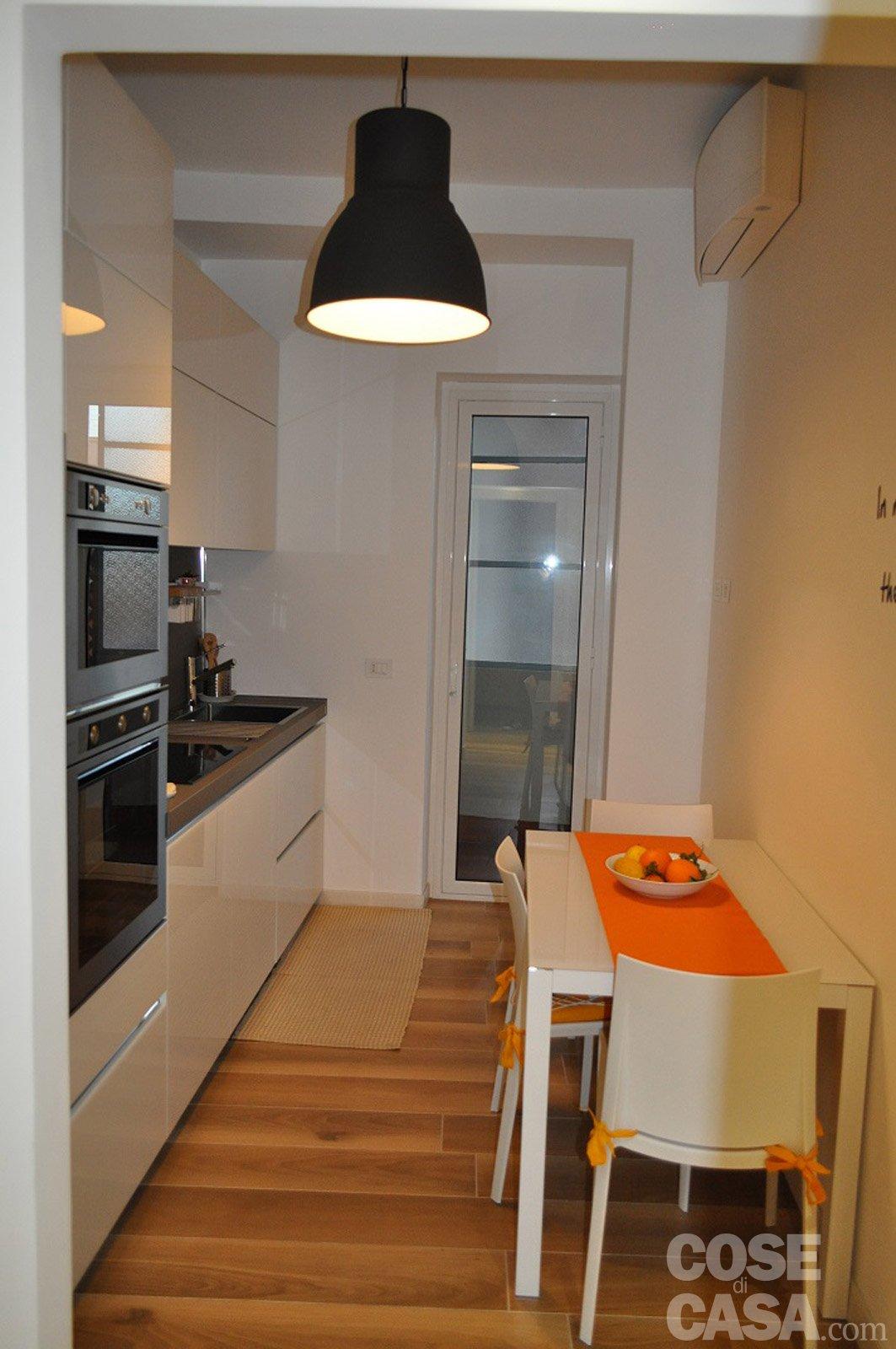 90 mq una casa da vivere in relax cose di casa - Tavolo piccolo ikea ...