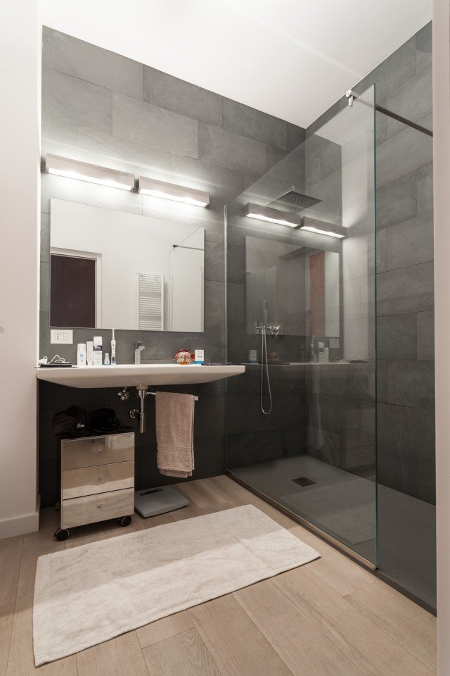95 mq una casa con pi spazio e pi luce grazie alla - Quadri in bagno ...
