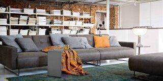 Soggiorno: tre soluzioni per il divano