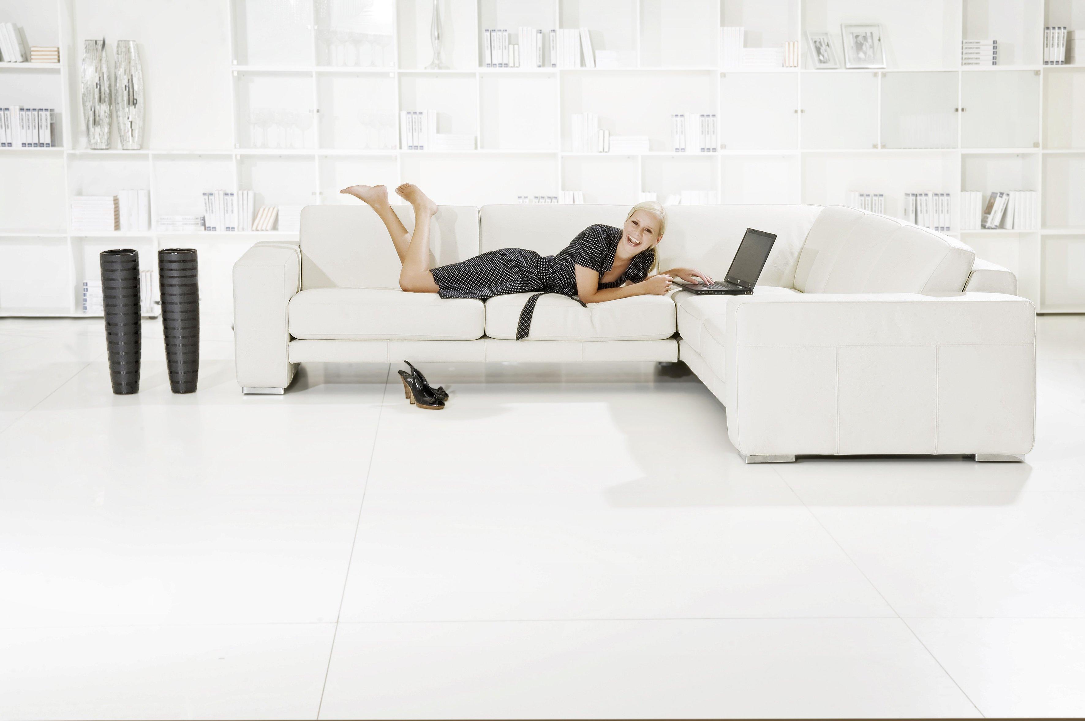 Divani Bianchi E Grigi : Soggiorno moderno u idee per il salotto perfetto u arredo