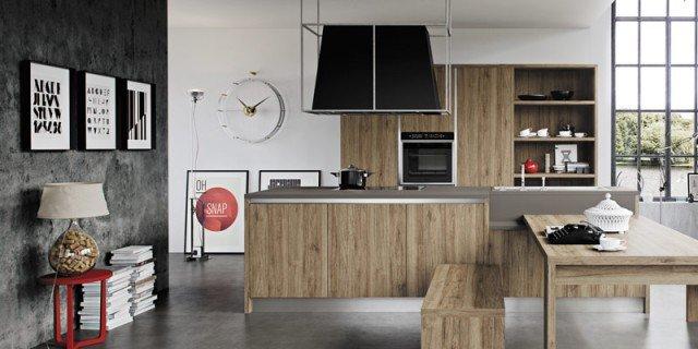 Cucine effetto legno per un ambiente caldo ed elegante