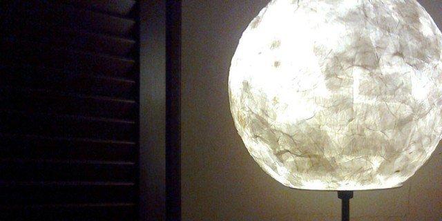 Riciclo e risparmio: lampade in carta
