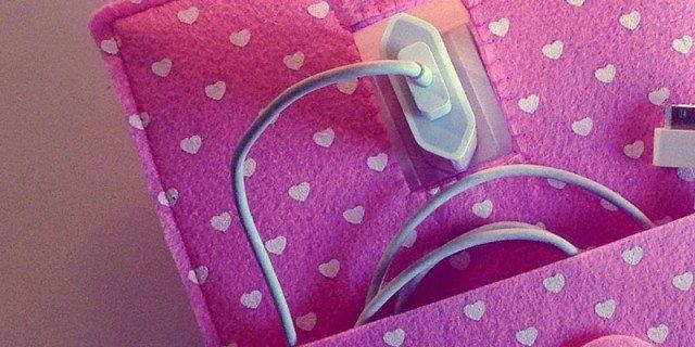 Portacavi a parete: fili di ricarica nascosti ma a portata di mano