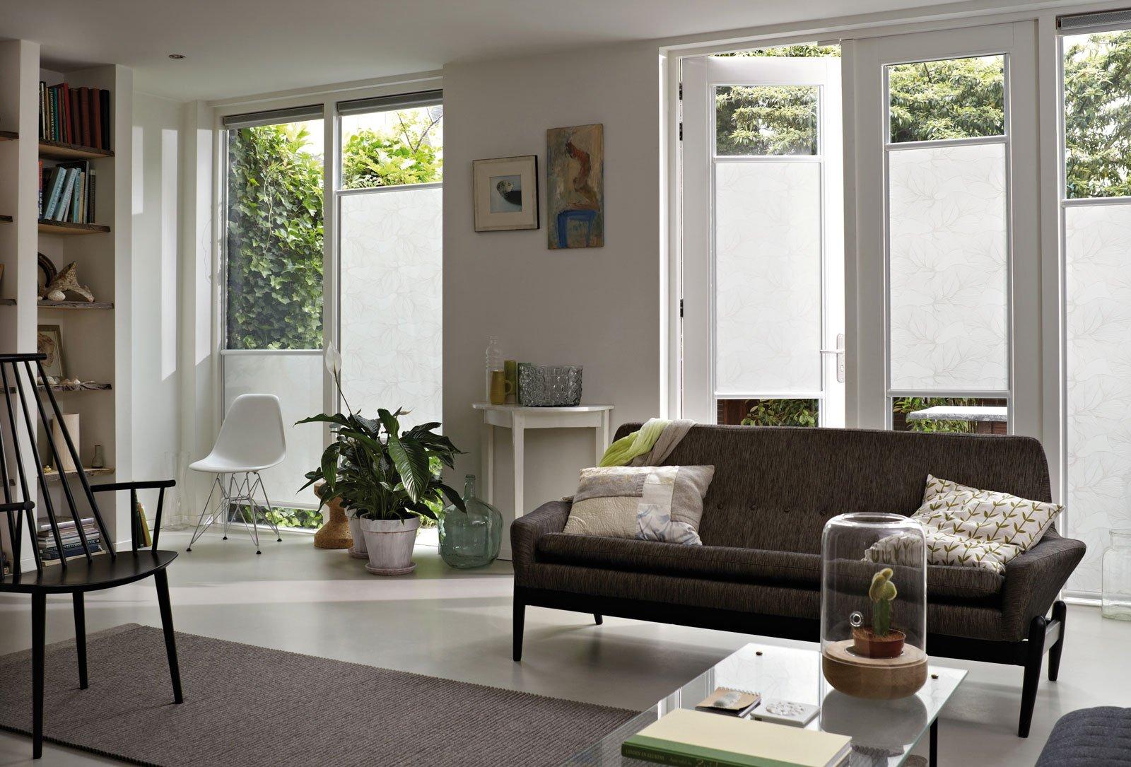 Tende e protezioni per il sole per una stanza in pi all 39 aperto al riparo dal caldo cose di - Tende a vetro per finestre ...