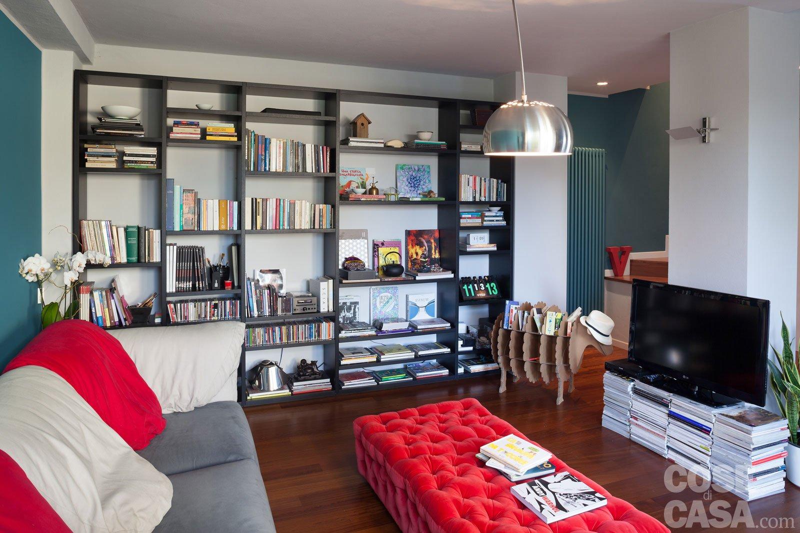 Una casa che punta sui contrasti e sul design - Cose di Casa